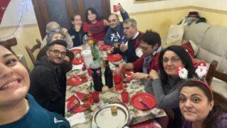 Natale per me è famiglia radunata a tavola