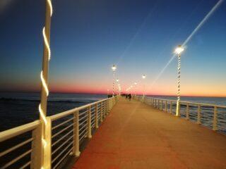 Un ponte illuminato, giusta tematica natalizia
