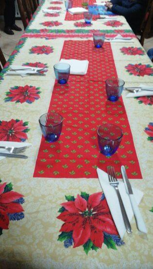 Una tavola in famiglia,semplicità e prodotti decò